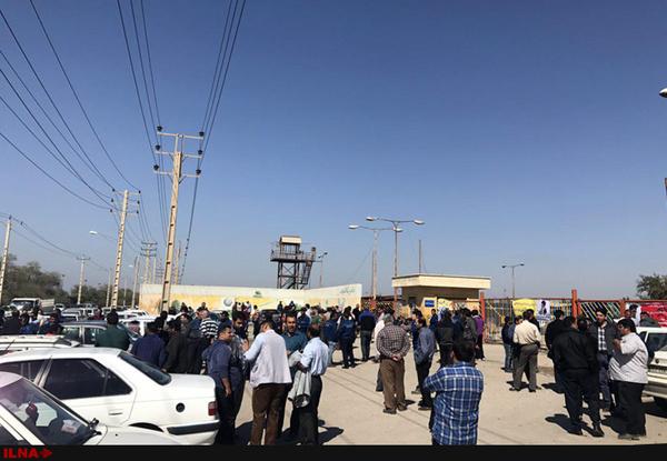 اعتراض صنفی کارگران گروه ملی صنعتی فولاد اهواز که از 14 روز قبل آغاز شده بود امروز نیز ادامه یافت