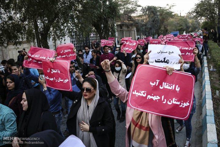 اعتراض مردم خوزستان به مشکلات روزهای اخیر /عکس