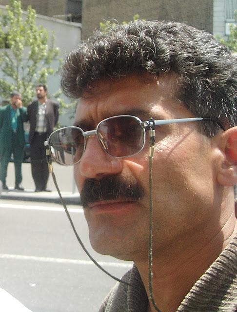 به نوشته وبلاگ کمیته حمایت از شاهرخ زمانی در تاریخ روز یکشنبه ۶ فروردین ۱۳۹۶ آمده است : 26 اسفند ماه سعید یوزی فعال کارگری و عضو کمیته پیگیری در شهر کامیاران توسط لباس شخصی ها دستگیر شده