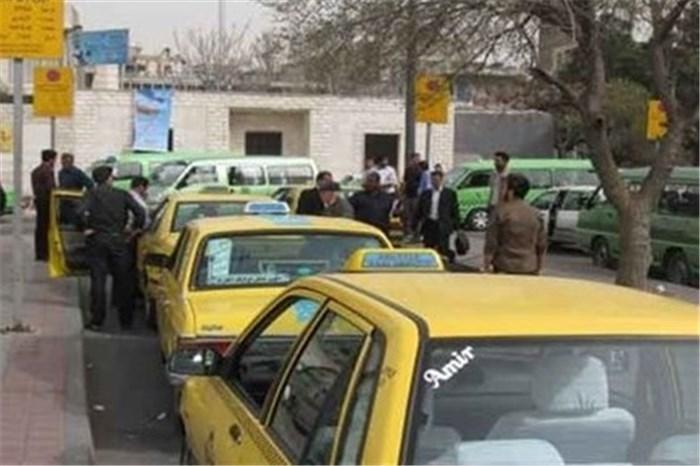 به گزارش سایت خبرپیام درتاریخ روز پنجشنبه ۲۴ فروردین۱۳۹۶ آمده است : رانندگان تاکسی های عمومی زرد متعلق به حمل و نقل همگانی شهرداری اسفراین دراعتراض به مصوبه شورای ترافیک این شهرستان اعتصاب کردند.