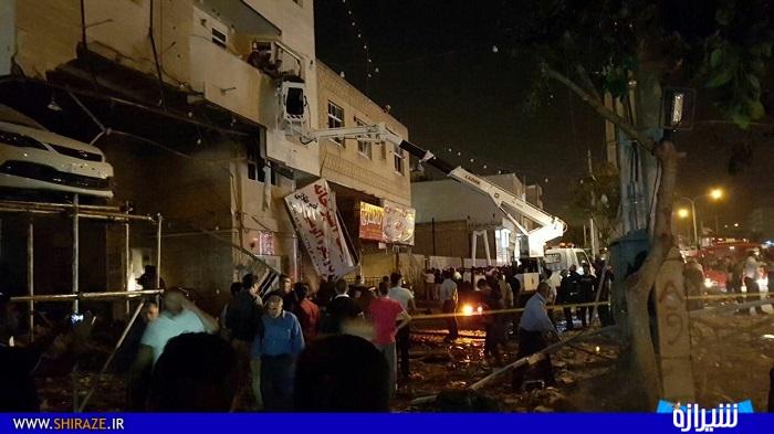 شدت انفجار به حدی بود که صدای انفجار در بیشتر مناطق شرقی و مرکزی شهر شیراز شنیده شد و دیوارهای این فروشگاه در اثر انفجار فروریخت. زبانه های آتش و دود از فاصله ۲ کیلومتری محل حادثه دیده می شد و در همین حال، خودروهای امدادی با حضور در محل حادثه به خاموش کردن آتش پرداختند.